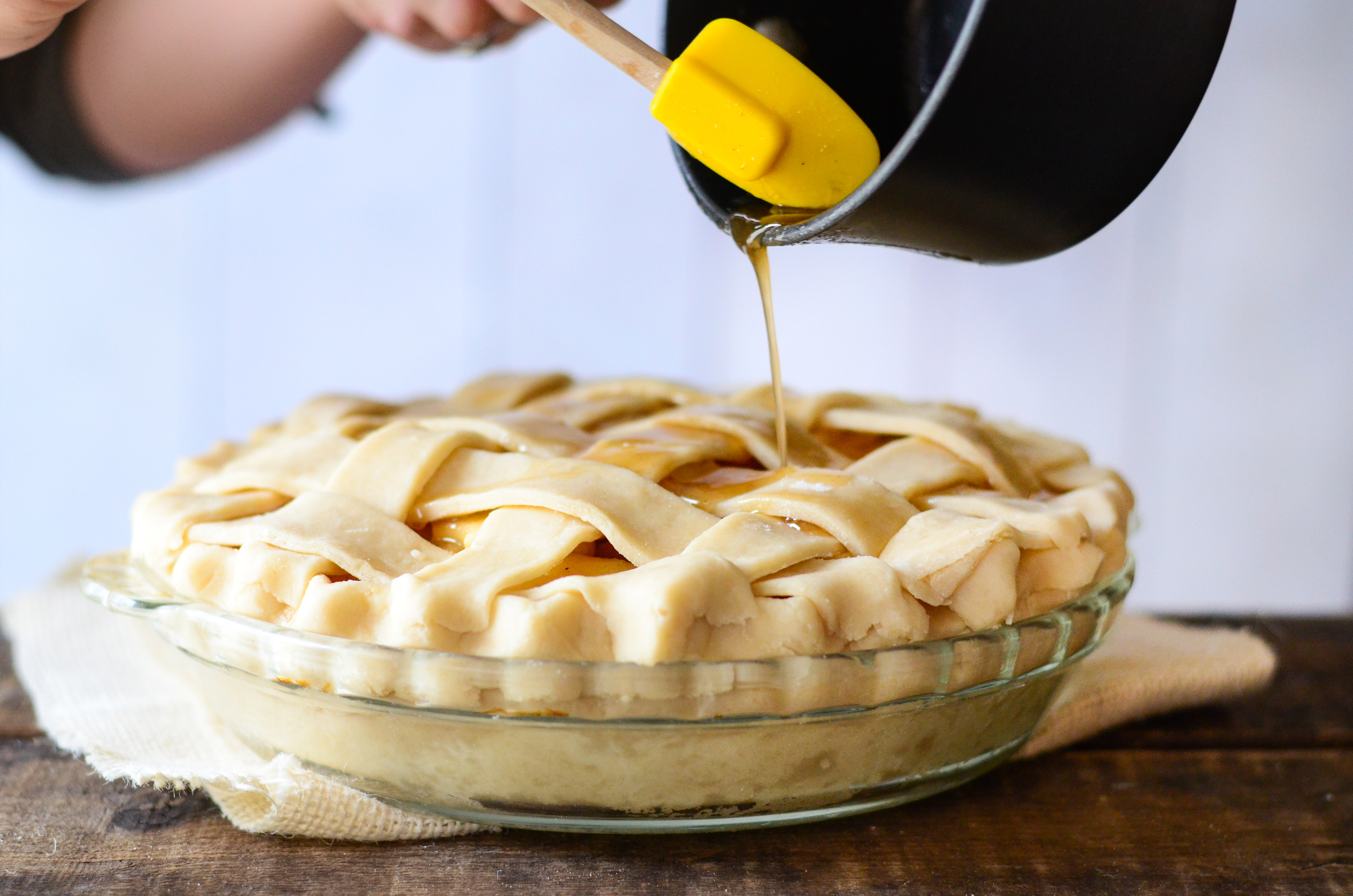 Food Photography Tips - The Perfect Pie Crust - www.mommatography.com