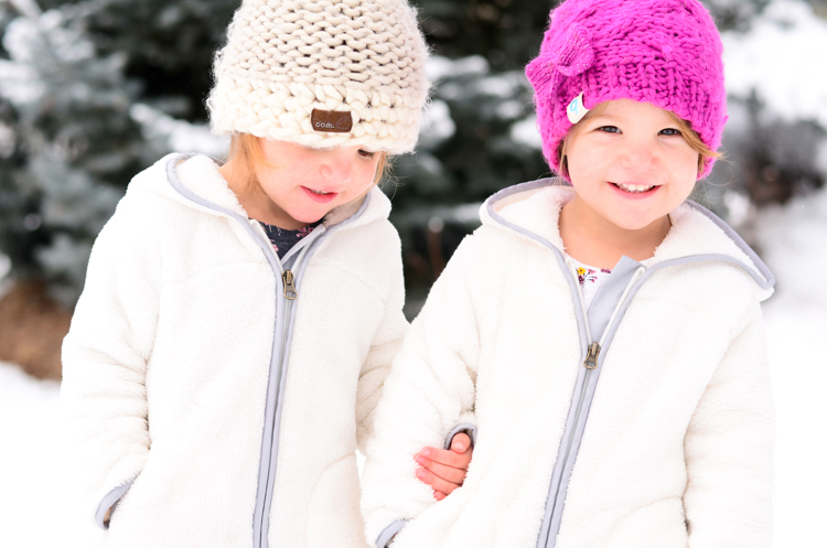 Five Tips for Fun Portraits in the Snow - www.mommatography.com