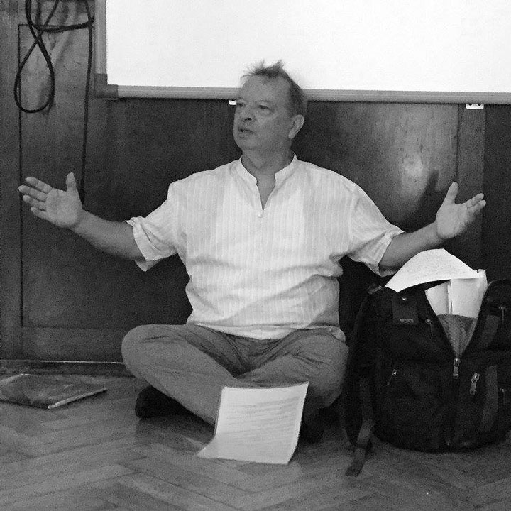 A session of chanting with Michel Angot