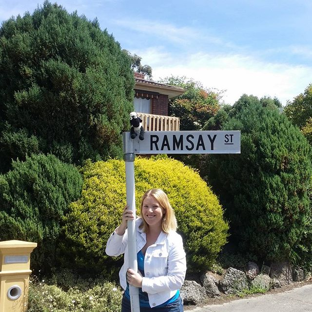 Even #shaunthesheep has now made it to #ramsaystreet on the #officialneighbourstour thanks For the visit#bunyiptours #melbourne #destinationmelbourne #lovethiscity #aussie