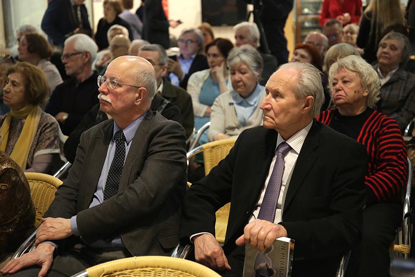 Профессор МГУ Дмитрий Кавтарадзе и бывший депутат ВС СССР Владимир Десятов