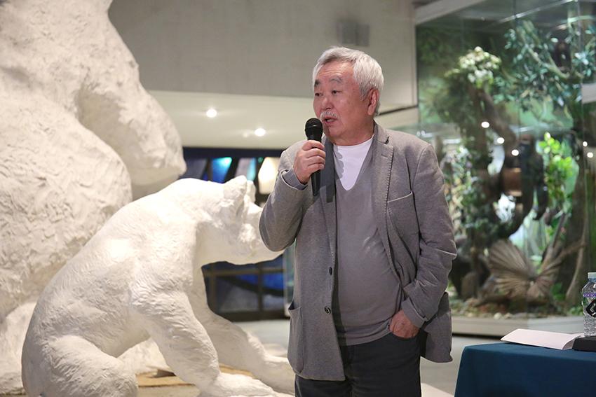 Писатель Анатолий Ким