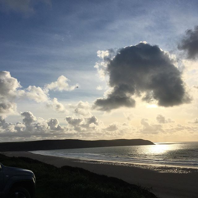 End of a busy day#octobersunshine #seaviews #notabadview #theportholewoolacombe 🙌🏻