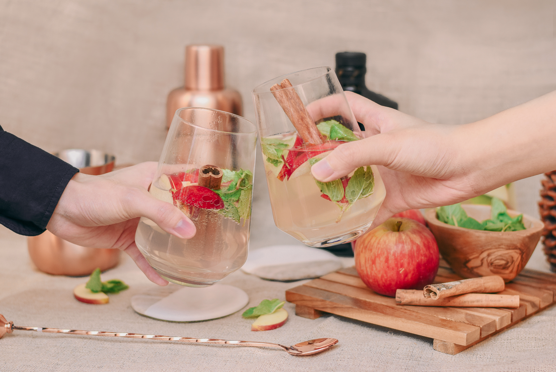 Honey Apple and Gin Cocktail Recipe