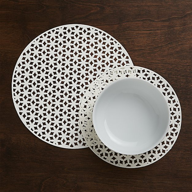 Round Doilies, Set of 24 - Reg $28.95 Sale $11.50