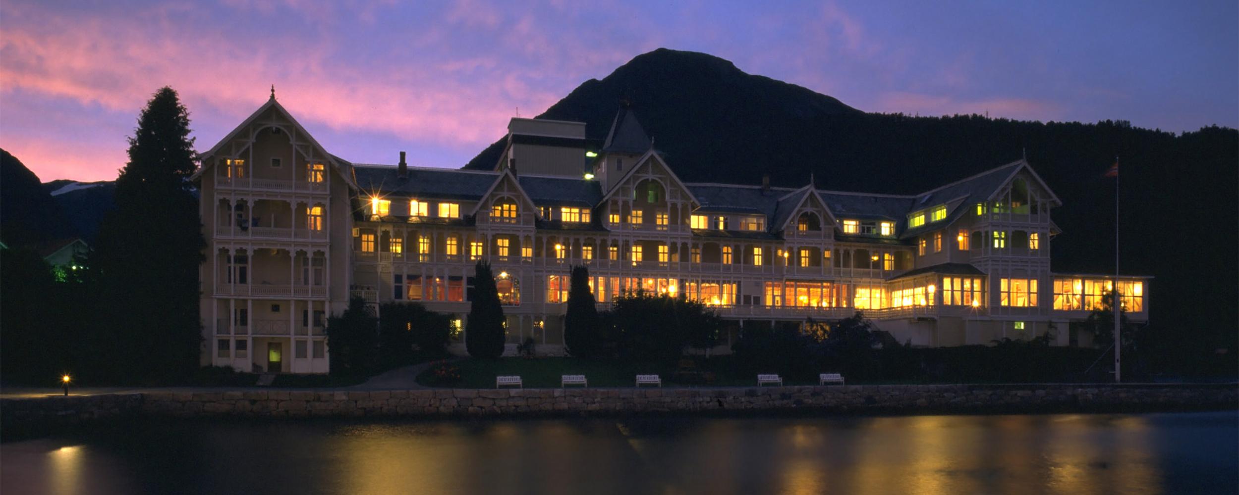 Kviknes Hotel - Gjestfridom i fire generasjonar
