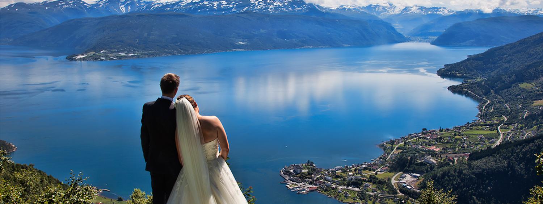 Bryllup på Kviknes Hotel - Eventyrslottet ved Sognefjorden.