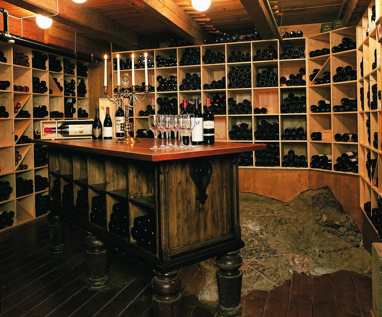 Sognefjordens mest innhaldsrike vinkjellar.