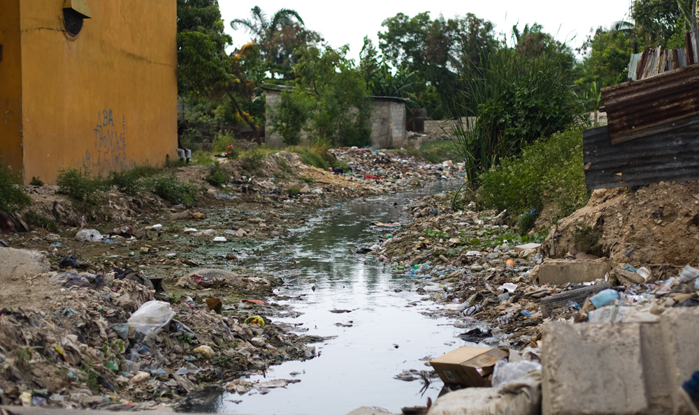 Water out of Port au Prince_1000px.jpg