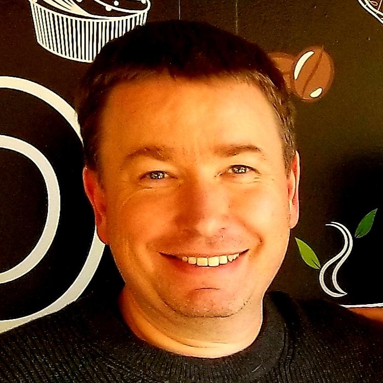 Phil Bruce headshot.jpg