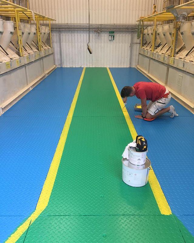 Nya fina säkra golv till #Weber denna helg😀