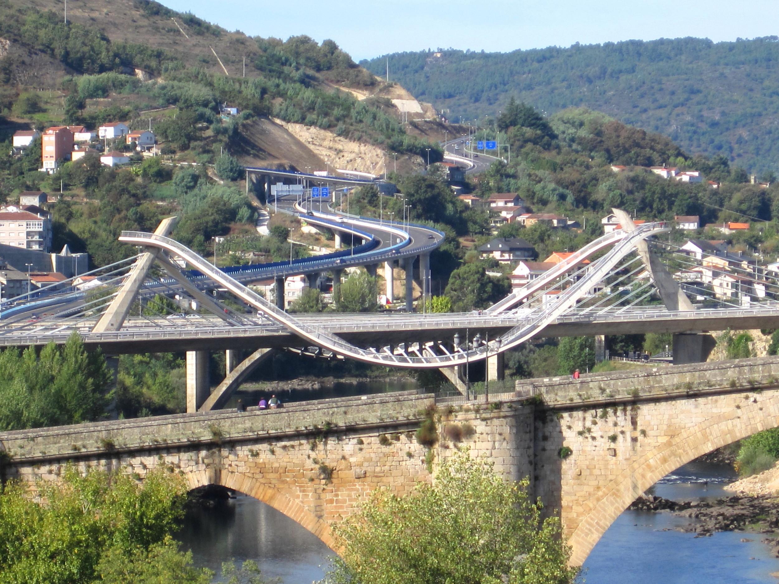 Puente_Romano_y_Puente_del_Milenio._Ourense..JPG