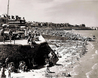 """St Mildred's Bay [Thanet] 1950s"" by Max Montagut. Via  Flickr"