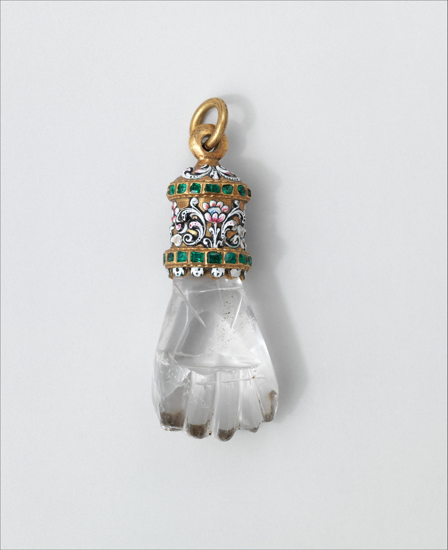 Pendant in the form of a hand. Details as at  4  .  License:  CC0 1.0