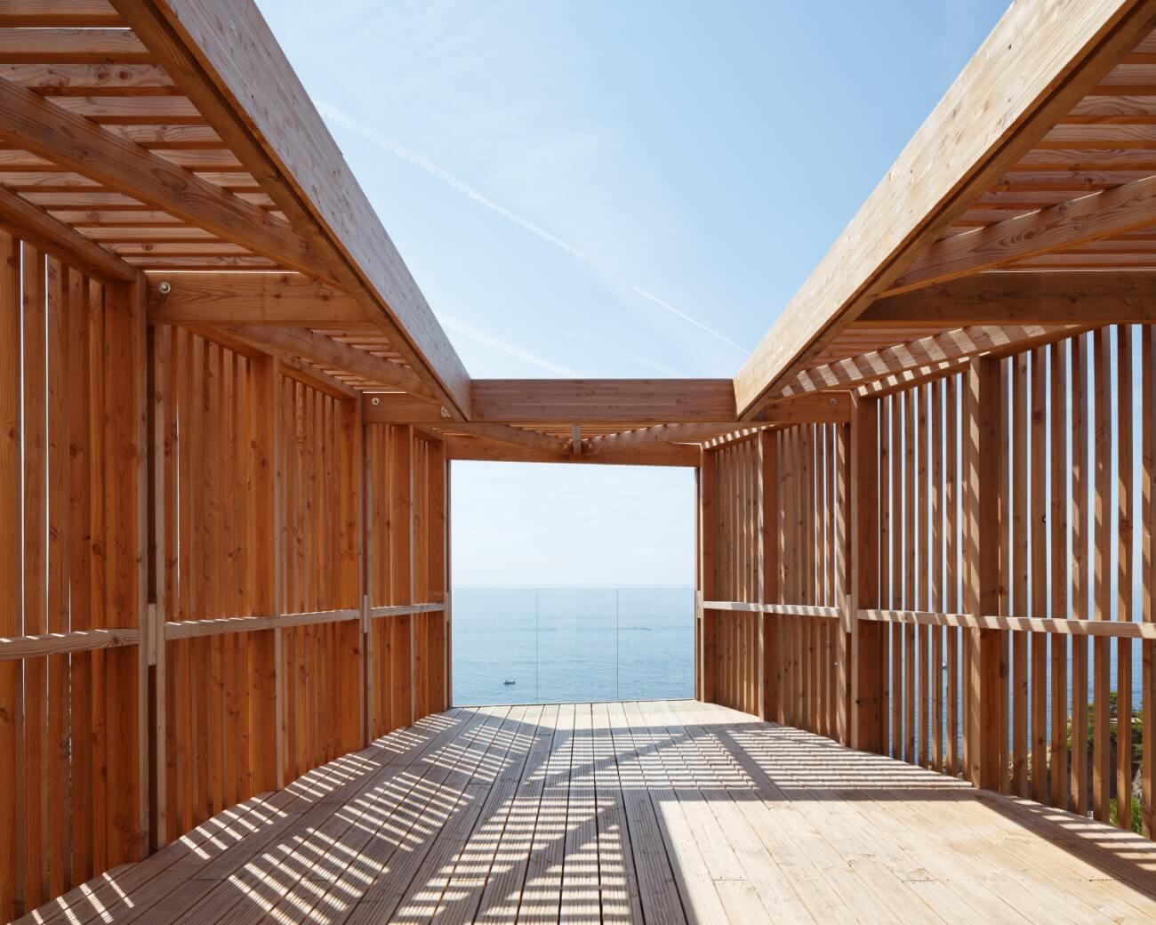 Photo © Avenir Bois Construction / Construction d'une maison sur pilotis bois