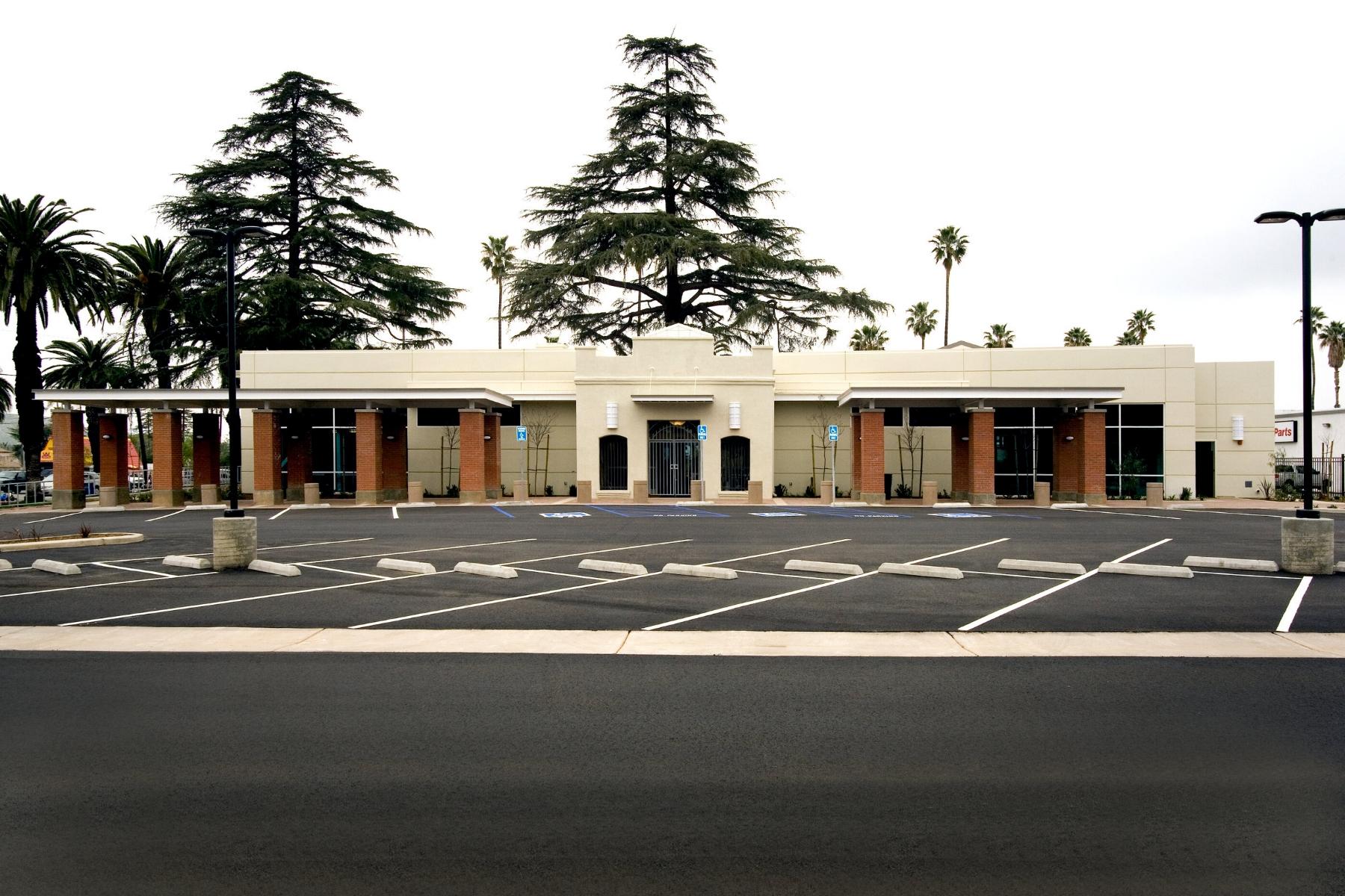 Riverside_Arlington_Library_Exterior