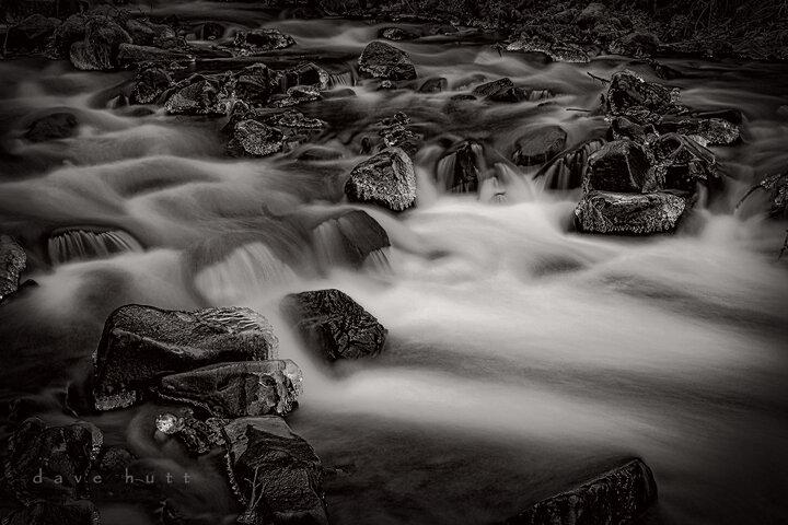 Frzn Waterfalls bw.jpg