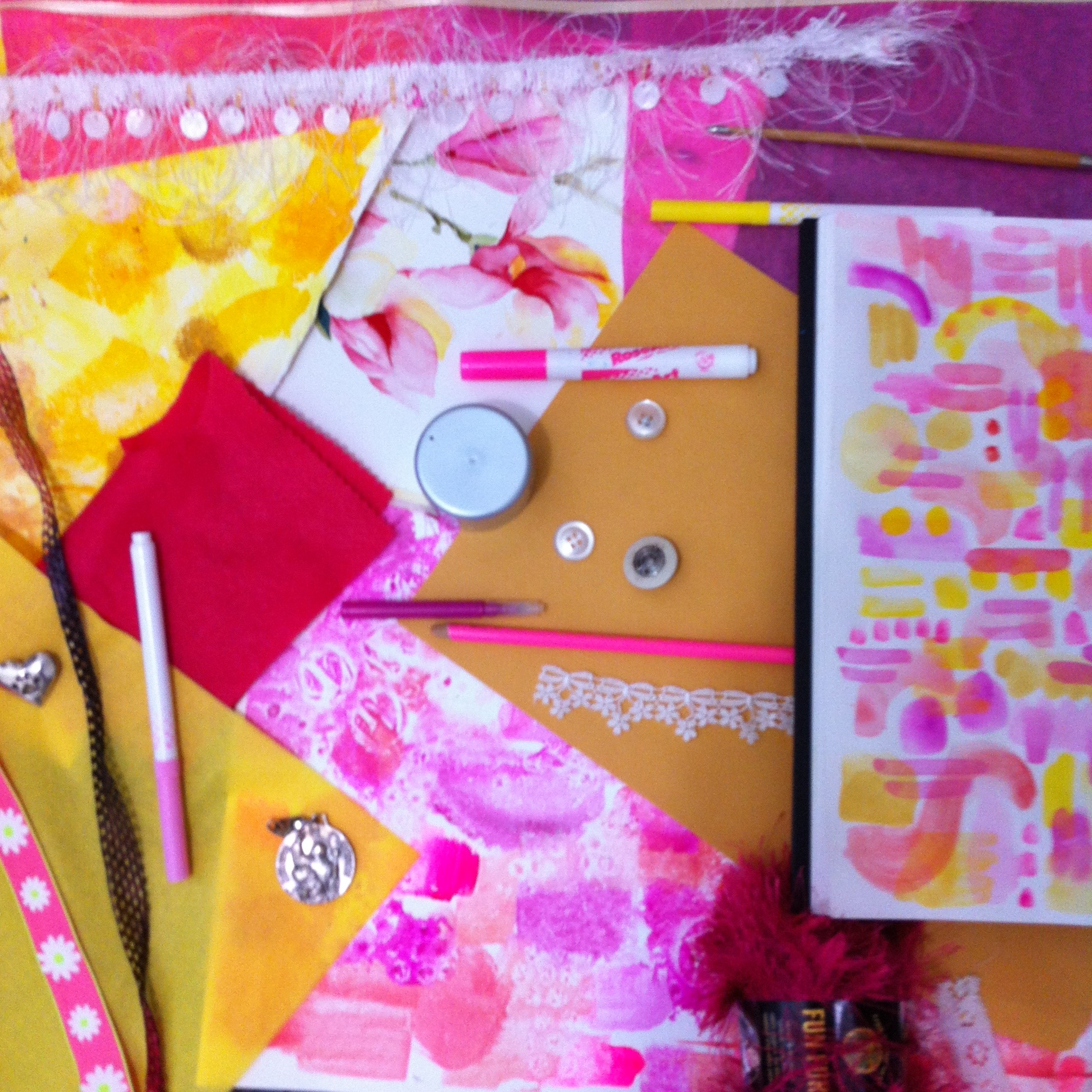 A collection of pink and yellow objects in my studio. Perhaps this will become an inspiration board for a new painting, or maybe it won't. Eater way, it was fun.