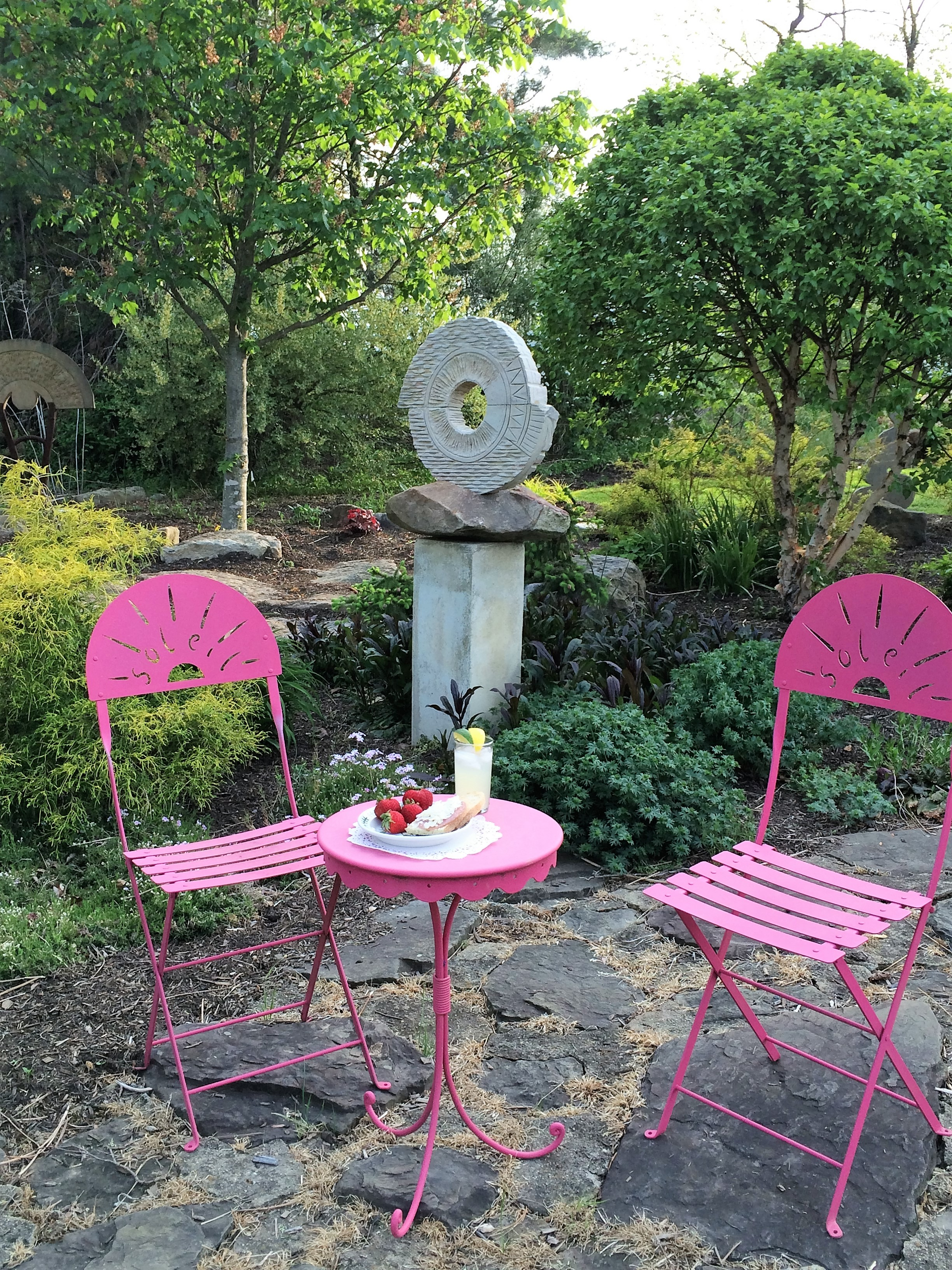 Find out about our garden parties and Gallery and Studio Tours! Sign up!