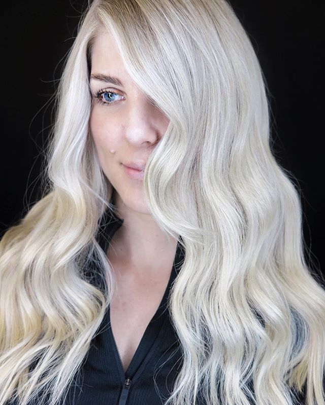 Soft and creamy blonde by Owner @michaelgibsonhair on @peridotdecorativehomewear ❤️✔️💁🏼‍♀️ #brushsalonyvr