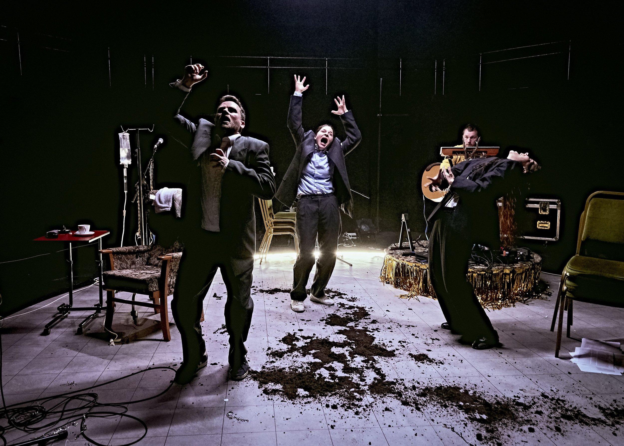 SAETHU CWNINGOD / SHOOTING RABBITS - by PowderHouse