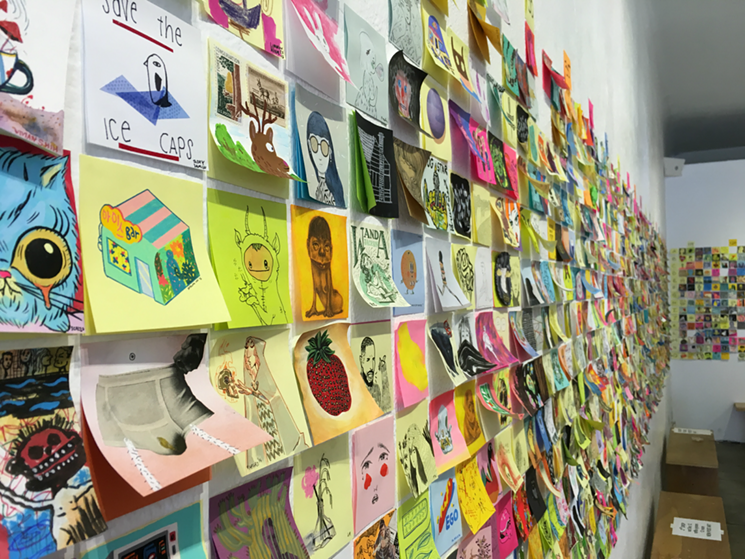 Sursă foto:http://www.laweekly.com/arts/what-weve-learned-from-11-years-of-post-it-art-at-giant-robot-6360121