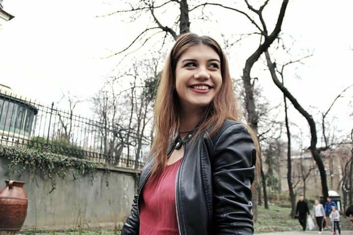 Ea este Andreea Dimitriu - așa este că are un zâmbet molipsitor? :)