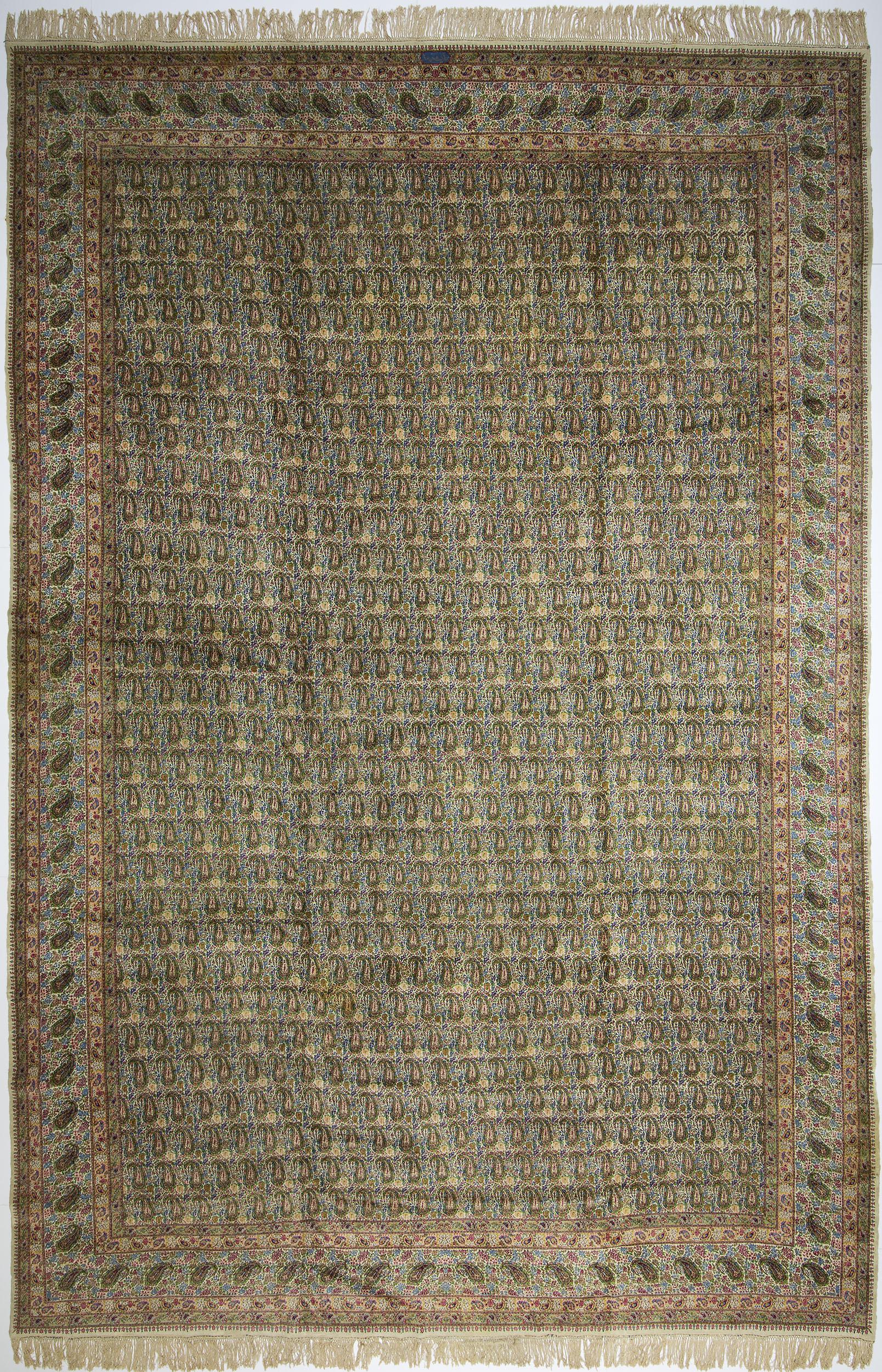 """Kerman Carpet 19' 9"""" x 13' 0"""""""