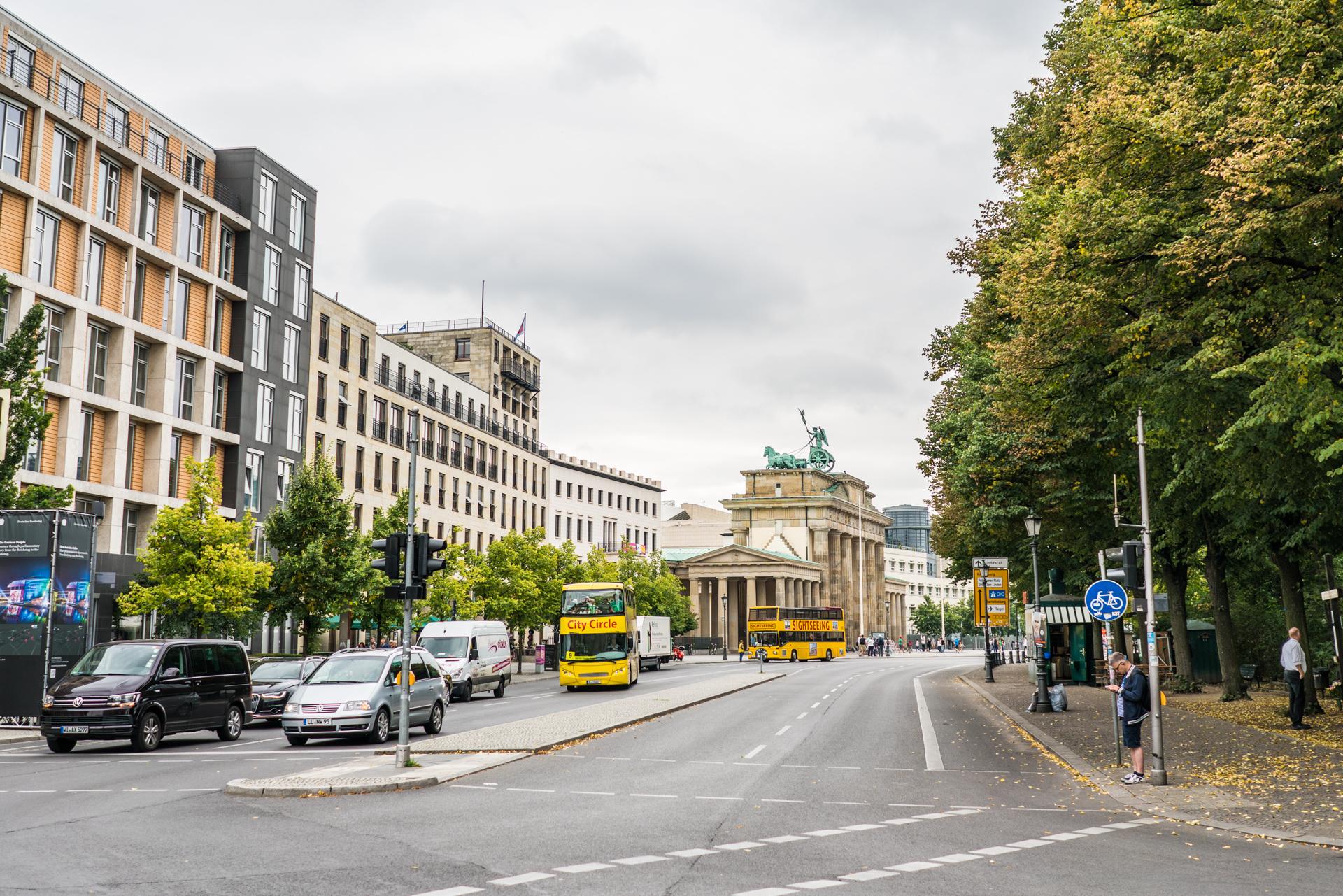 Ebertstraße with the Tiergarten on the right.