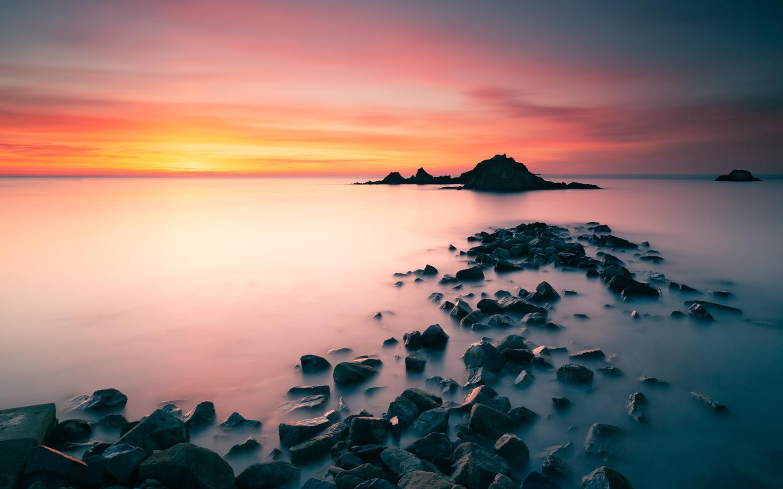 'Le Hocq Sunrise' by Alan Huelin
