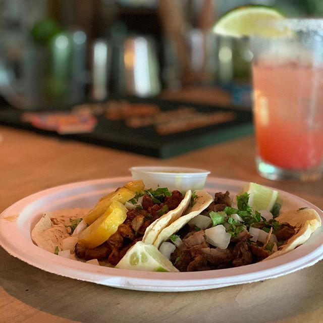 Taco Tuesday and cold fresh Margaritas Why not?  @outofthebluepfc & @cheffsantiago . . . . . #avldrinks #tacotuesday #avltaco #peruviantacos #tacos #margarita #freash #cold #avleats #avlfoodie #avlfood #descubreasheville #avlfn @descubre_asheville @avlfn