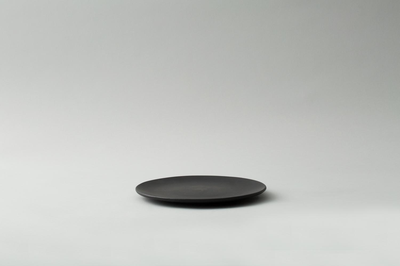 small-black-plates.jpg