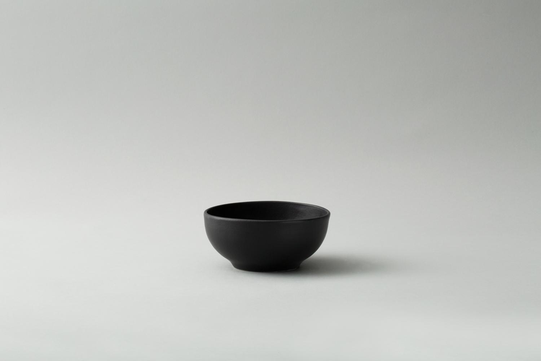bowl-plates-black.jpg