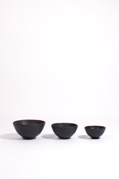 BLACK CERAMIC NESTING BOWLS /  SET OF 3