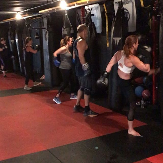 Saturday morning class was on 🔥 A mixture between kickboxing and H.I.I.T will always  get you those high calorie burns.  #fitness #hiitworkout #kickboxing #northportvillage #eastnorthport #cowharbor