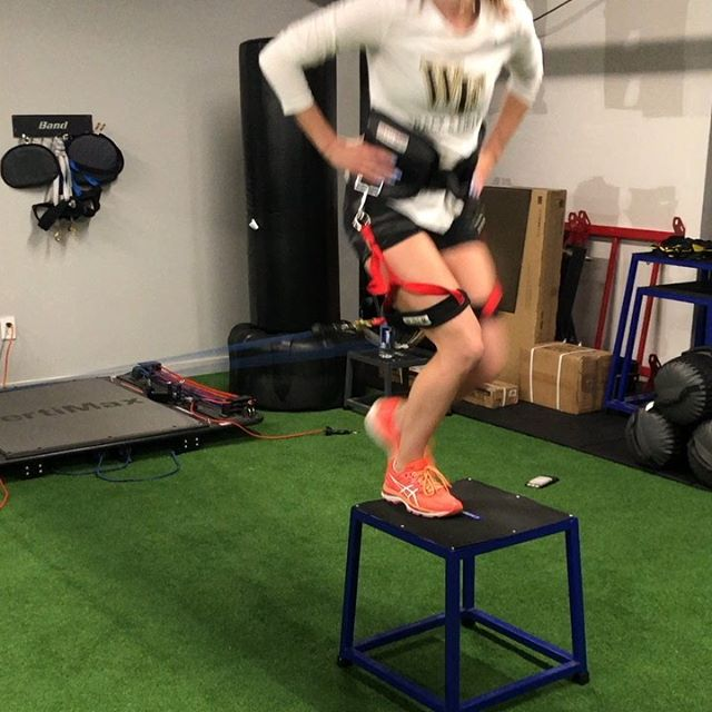 @wakeforestuniversity track athlete Sophia working with strength and conditioning coach @fitness_vinnyd on the @vertimax @vertimaxtrackandfield  #trackandfield #athlete #strengthandconditioning #strengthtrainingforwomen #dedication #determination #motivation #fit #fitness #eastnorthport #northportvillage #centerportny #huntingtonny