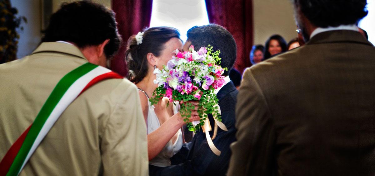 4_ceremony_kiss.jpg