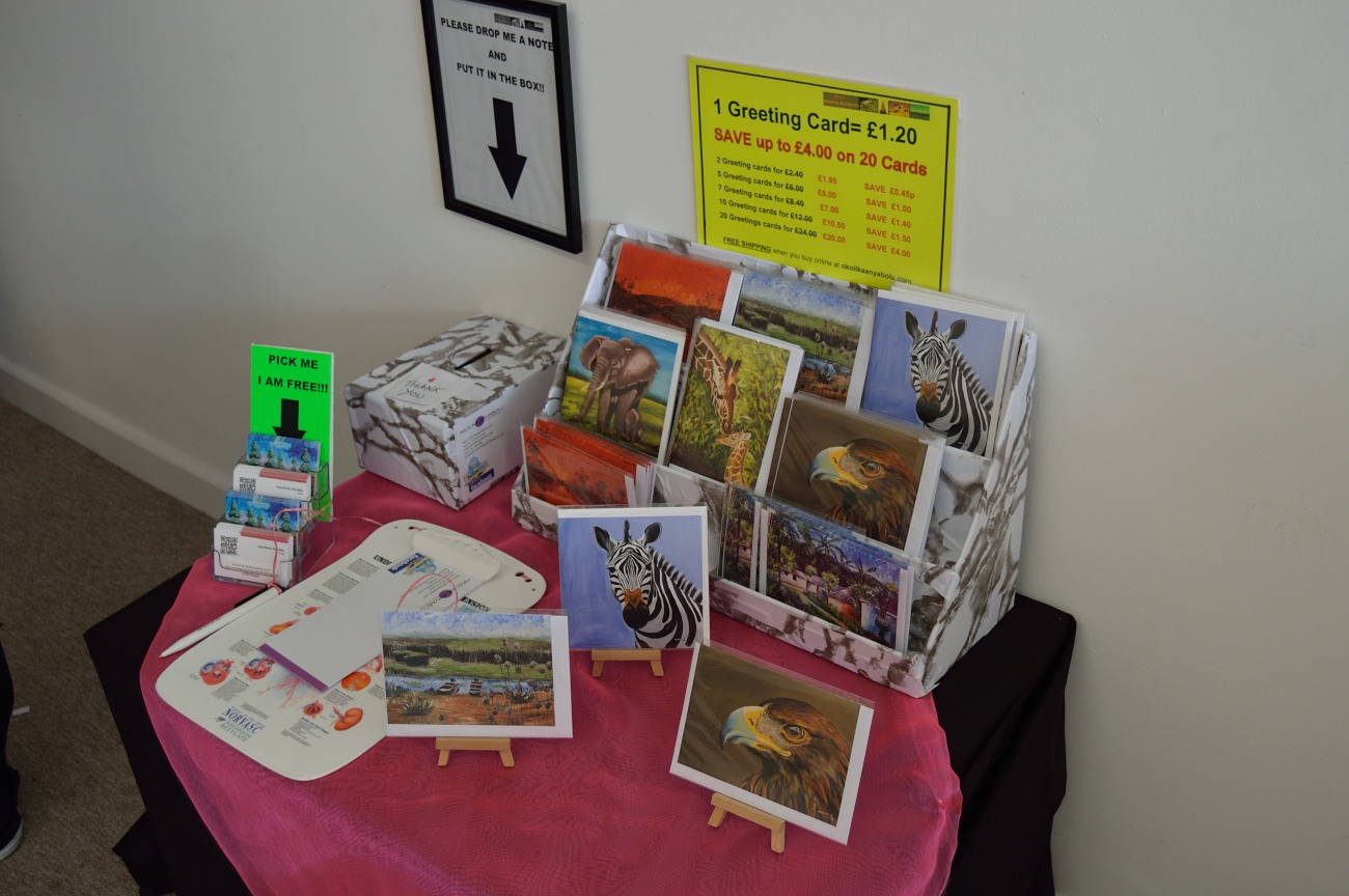 Papercraft Greeting Cards Stand