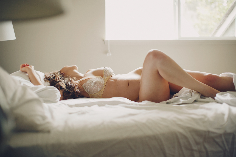 best-fashion-boudoir-photographer-seductive-sultry-california-bohemian-nude-bedroom-glamorous-lingerie-inspiration-067.jpg