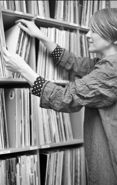 After spending 7 years on the dance floor, Vera started buying records. Later on, Roman Flügel from Alter Ego was one of the first, who invited her to play at Robert Johnson in 2003 and she became Resident DJ at one of Europe's more respected and authentic clubs.