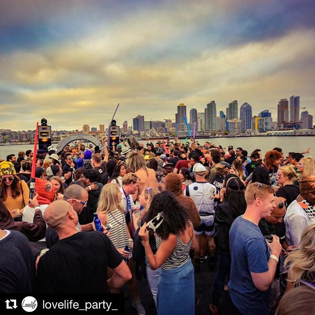 Clique will have a special stage, #vinylonly waiting  for you! . #Repost @lovelife_party_ ・・・ Back on the boat Labor Day wknd ⚓️🎉 With Hot Creations & Crosstown Rebels star Russ Yallop 🎶 TIX 70% SOLD OUT 😳👉🏼 Venno.com 🎟 10% Off w/ Discount Code: GOLD10 💛 #LovelifeParty