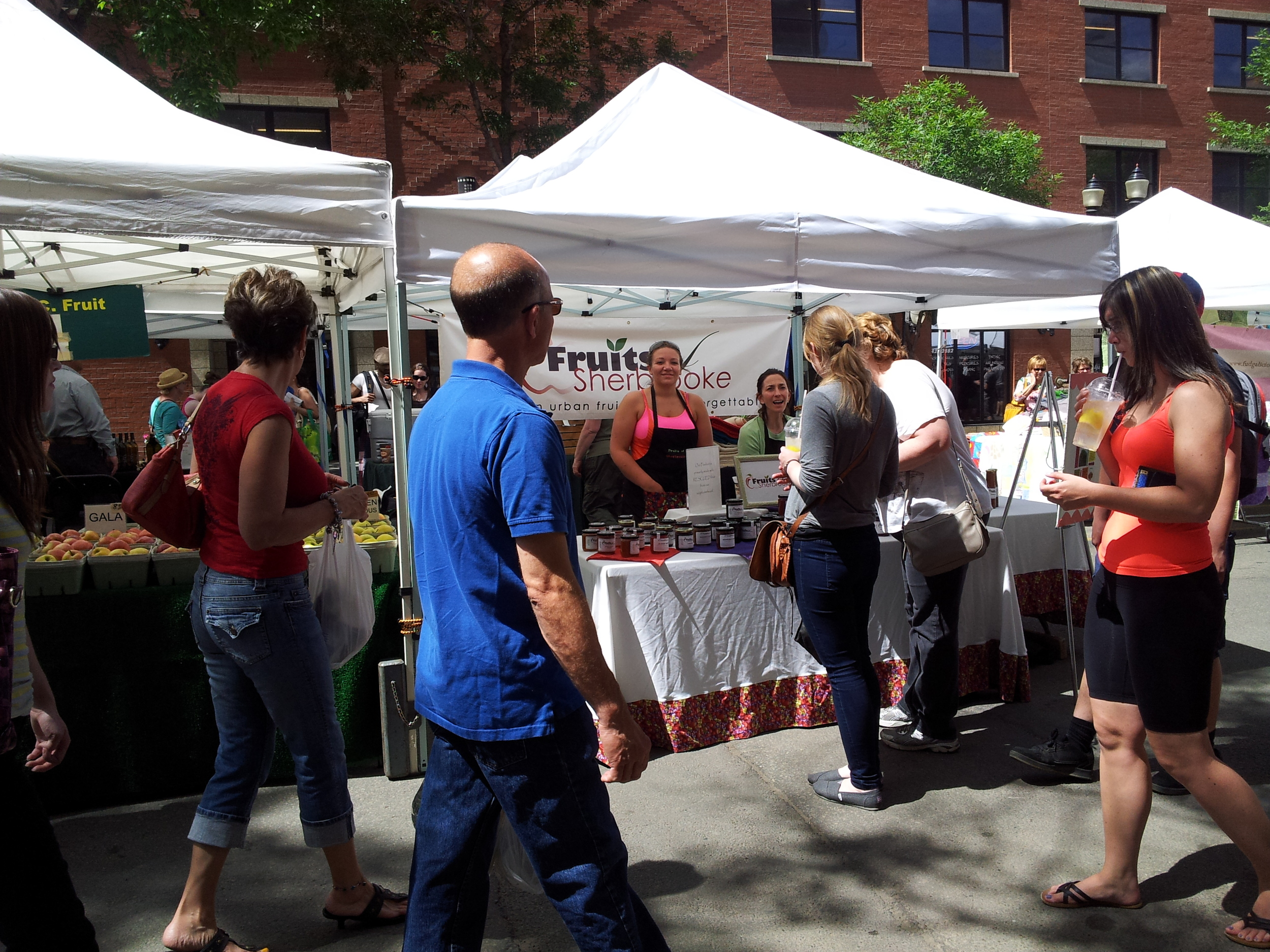 Downtown market - 104 Street.jpg