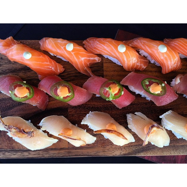 It is always good to eat what you deserve. 🍣 #smartsushila#sushila#sushi#nigiri#catering#sushicatering#losangelessushicatering#LAsushi#sushicatering#sushicateringinlosangeles#salmon#healthy#fresh#sushievent#weddings#corporatevents#privatesushievents#california#weareLA#welovesushi