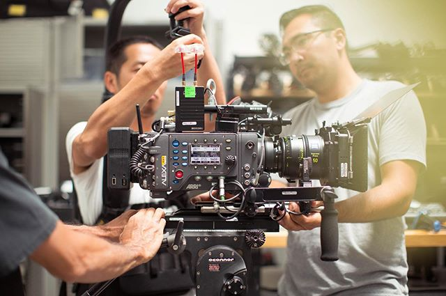 Prepping the Arri Alexa SXT + Zeiss Supreme Primes + Teradek Bolt + Easyrig for handheld shooting