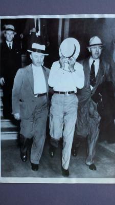 SA Clarence Hurt, (left)with Karpis 1936
