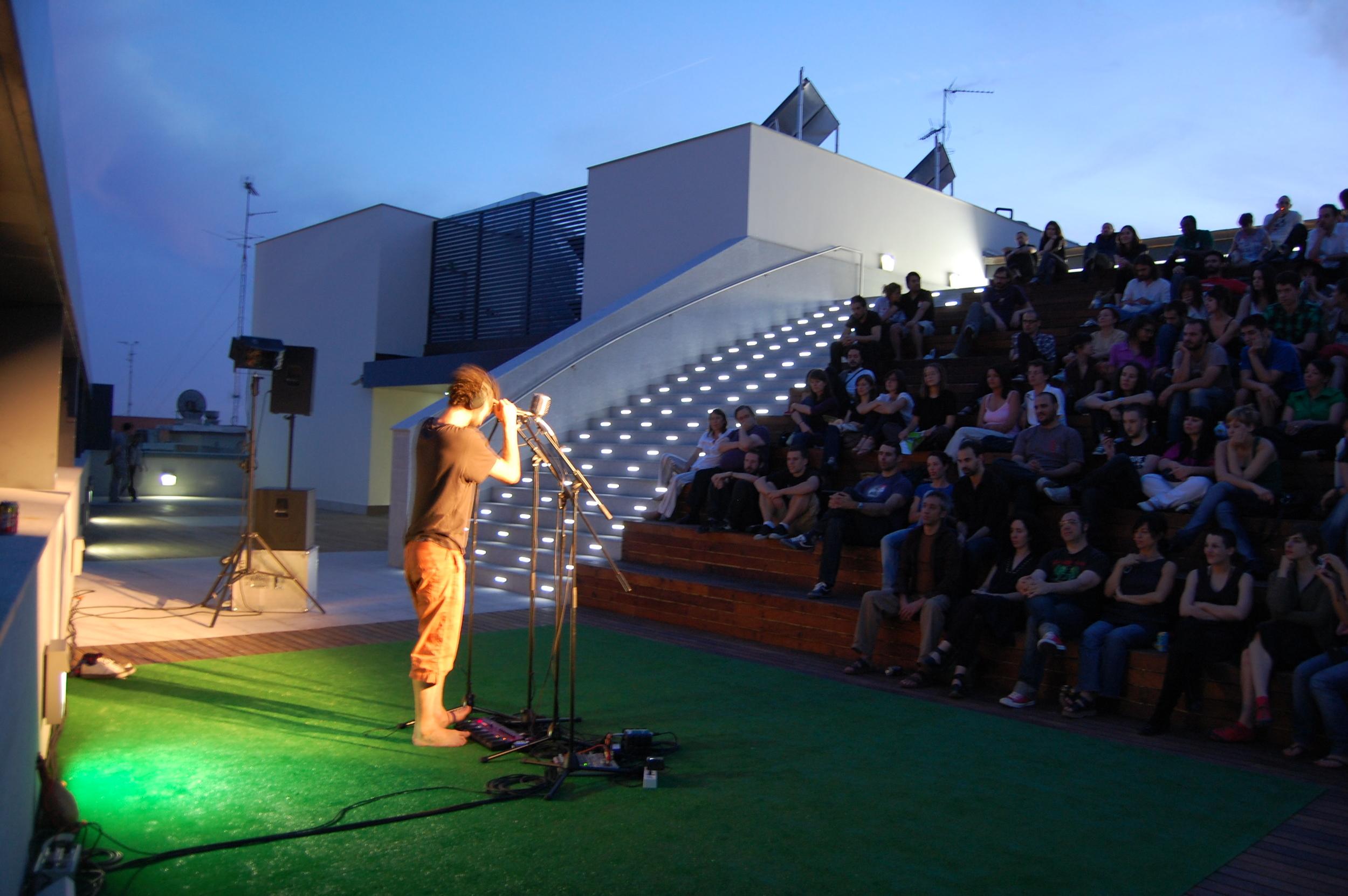 CA2M 2009-6 Picnic Sessions Concierto Hiperpótamus. Foto Carlos Granados.jpg