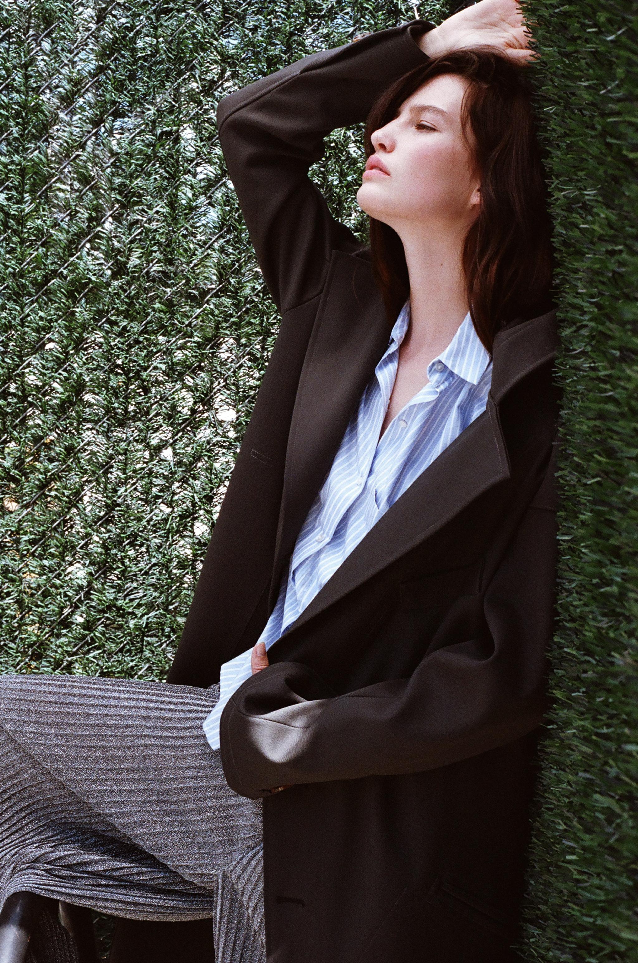 coat  HOMIC , shirt RAG & BONE, metallic trousers VINTAGE