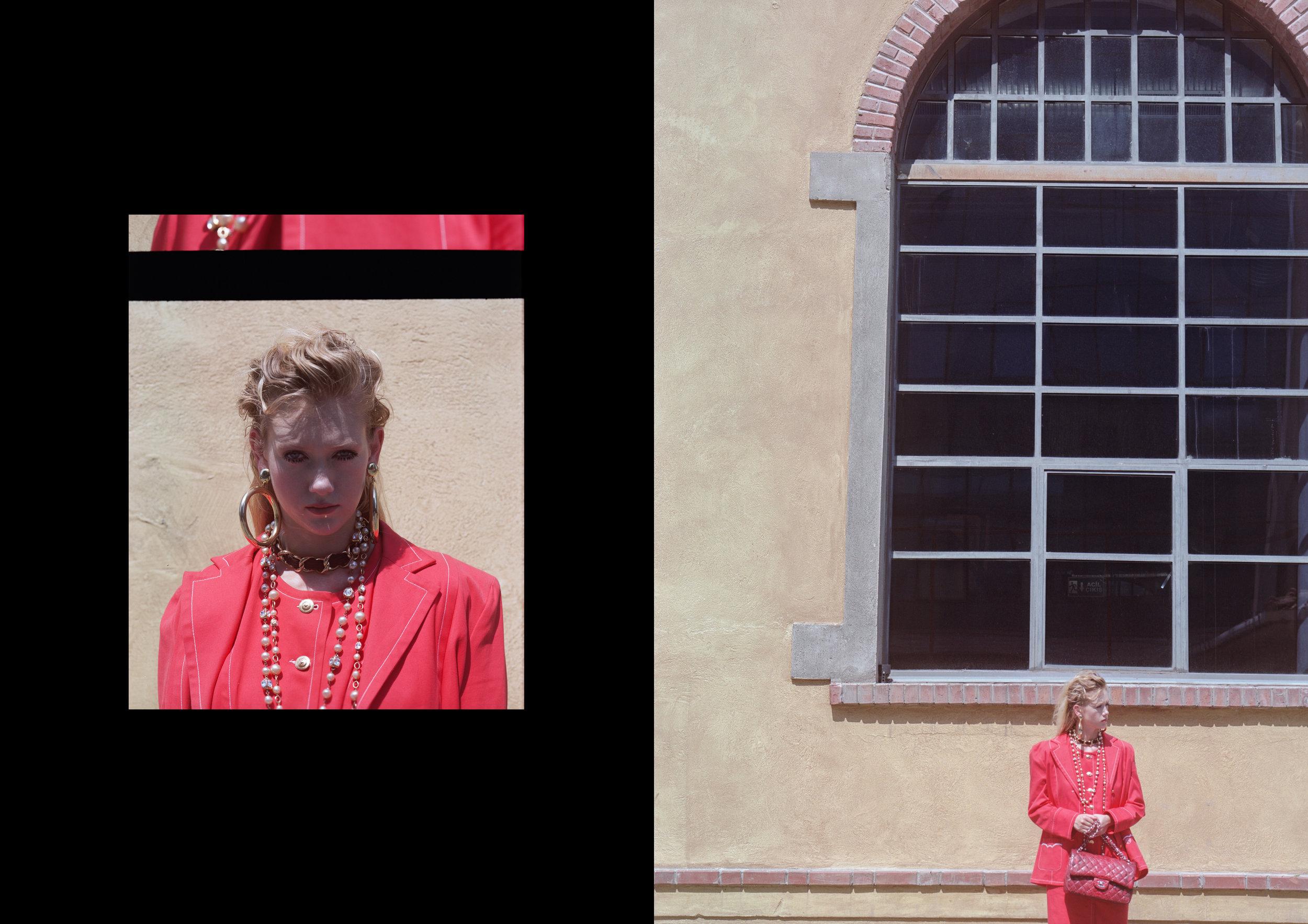 suit GIVENCHY / AU VINTAGE, choker CHANEL / AU VINTAGE, earrings + bag + necklace CHANEL