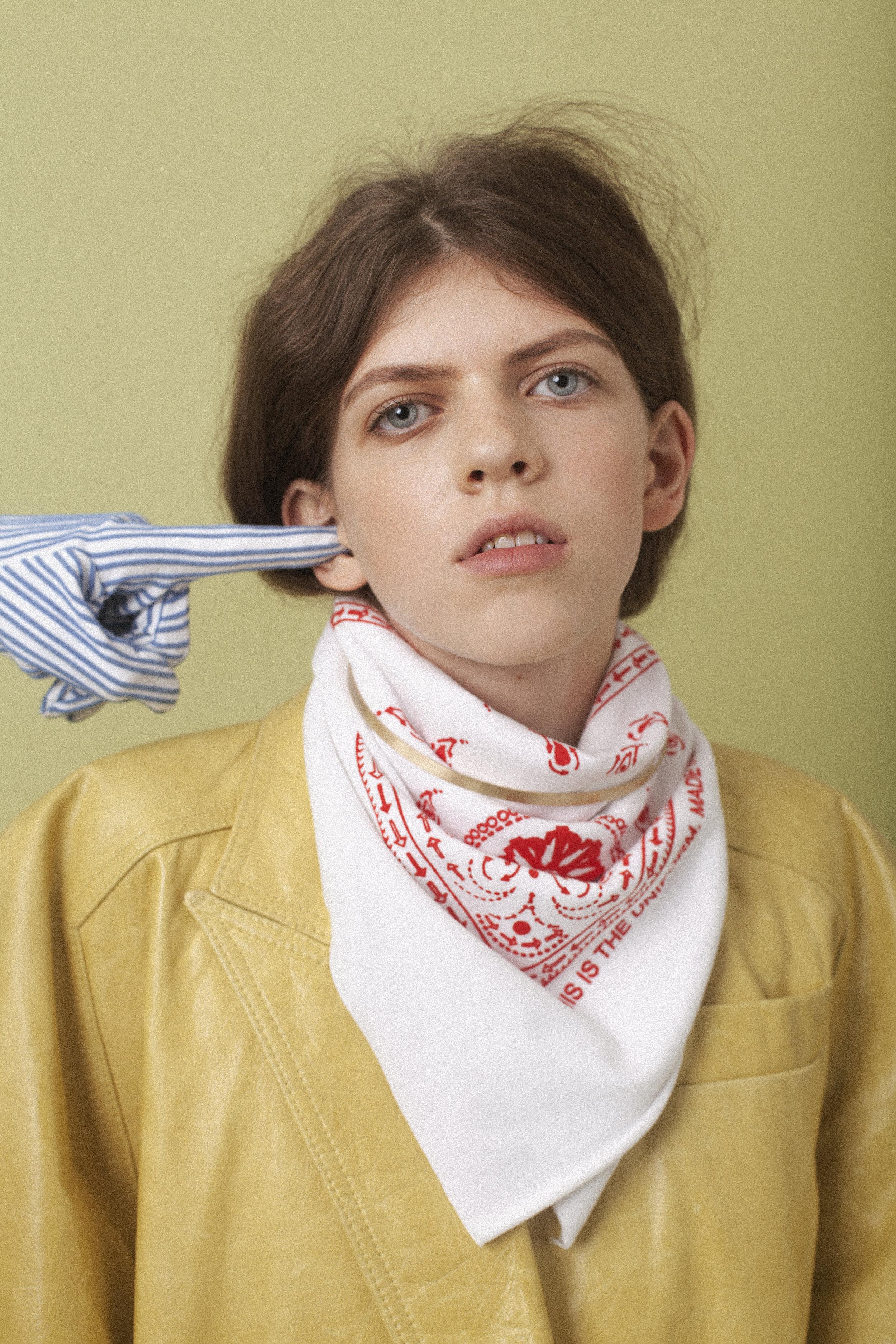 coat  EMMA CHARLES , scarf  THIS IS THE UNIFORM ,choker PILGRIM, glove  YUHAN WANG ,