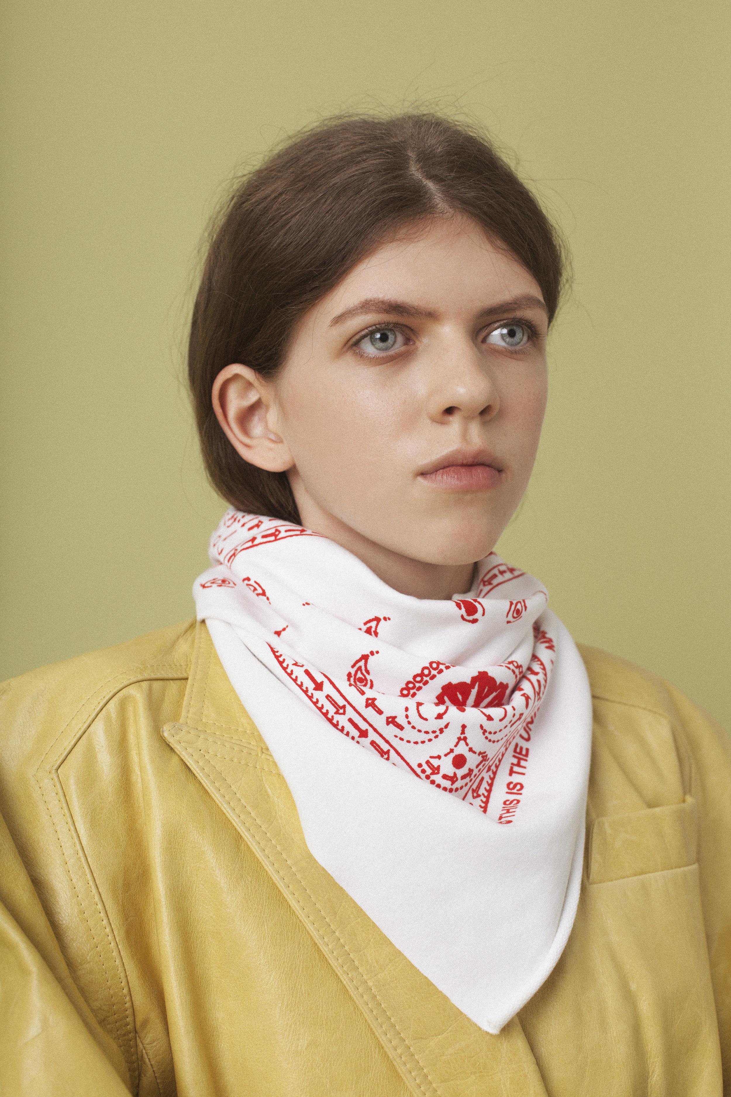 coat  EMMA CHARLES , scarf  THIS IS THE UNIFORM ,choker PILGRIM,